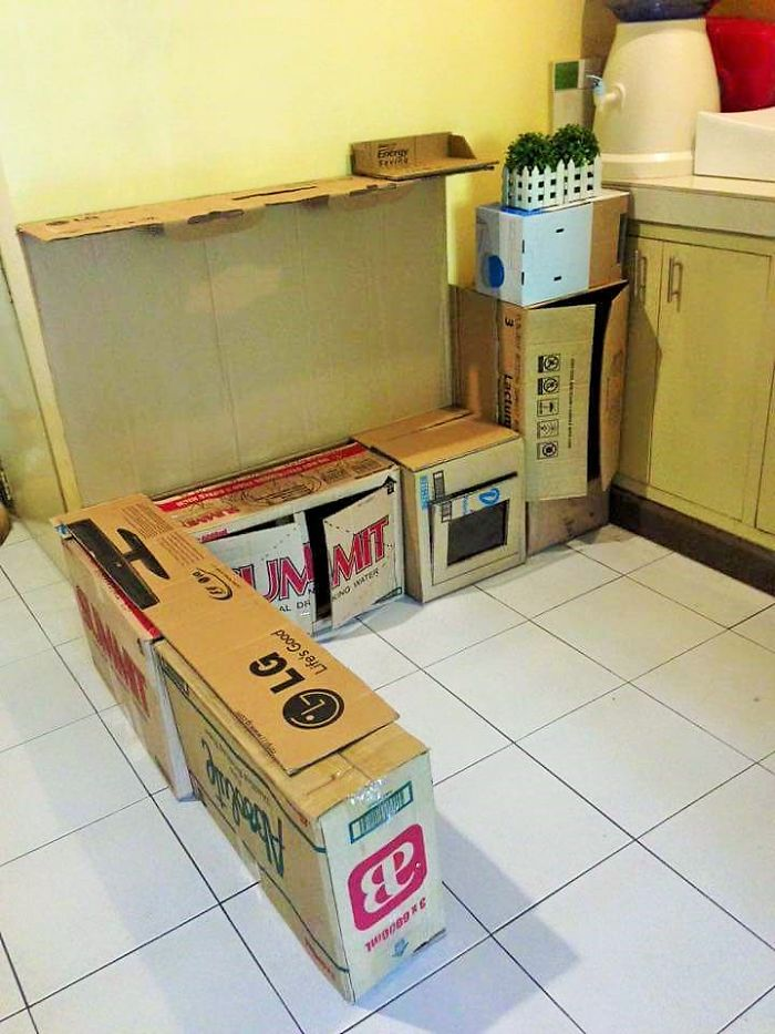 how-to-create-a-mini-cardboard-kitchen-for-you-toddler-3__700