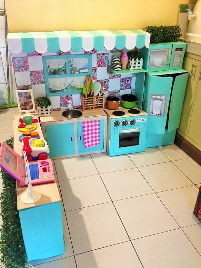 how-to-create-a-mini-cardboard-kitchen-for-you-toddler-5__700