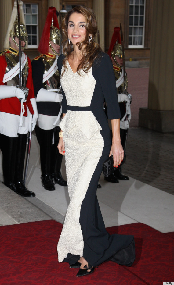 LONDON, ENGLAND - MAY 18:  Queen Rania of Jordan attends a dinner for foreign Sovereigns to commemorate the Diamond Jubilee at Buckingham Palace on May 18, 2012 in London, England. Prince Charles, Prince of Wales and Camilla, Duchess of Cornwall hosted the event.  (Photo by Chris Jackson/Getty Images)